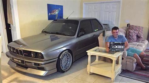 auto im wohnzimmer bmw e30 m3 im wohnzimmer autorevue at