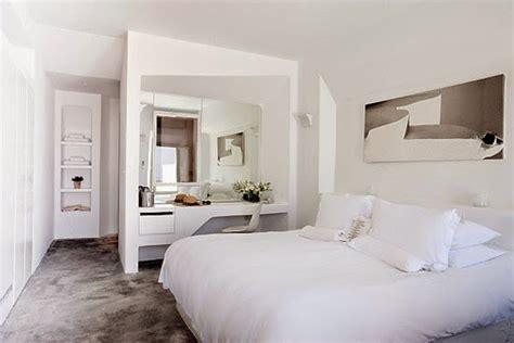 como decorar un cuarto matrimonial con poco espacio 6 claves para decorar un dormitorio con poca luz decoraci 243 n