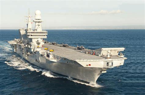 nave portaerei nave cavour carrier qualification la componente aerea in
