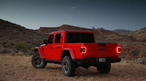 Jeep 2020 Lineup by 2020 Jeep Gladiator Photos Of New Wrangler Truck
