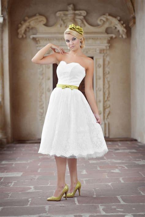 Hochzeitskleid Schuhe by Kurzes Hochzeitskleid Standesamtkleid Aus Spitze Knielang