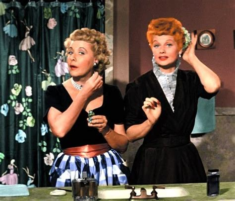 the lucy show i love lucy the lucy show here s lucy classic tv