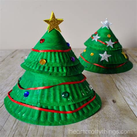 paper plate christmas art paper plate layered tree craft i crafty things