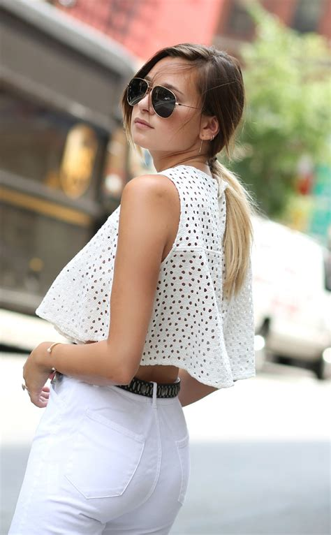 Trends For Summer Eyelet Accents When You Just Cant Commit Second Cty Style Fashion Second City Style 4 by The Eyelet Fashion Trend Is All The Rage Just The Design