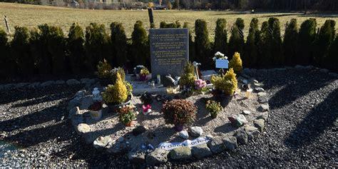 portraits crachs un 2221132092 crash germanwings un an avec sursis pour une femme se pr 233 tendant famille de victime