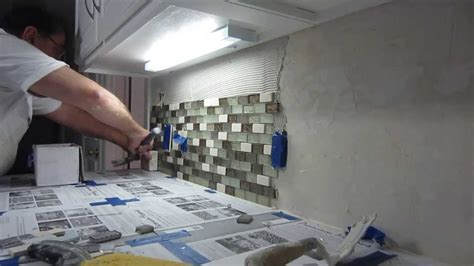 Installing Glass Tile How To Install Glass Mosaic Tile Backsplash Part 2 Installing The Tile