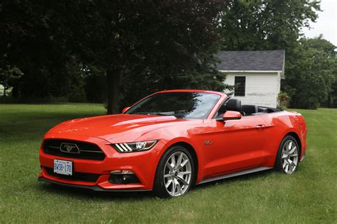 2015 gt mustang review 2015 褔特 ford mustang gt convertible canadian auto review