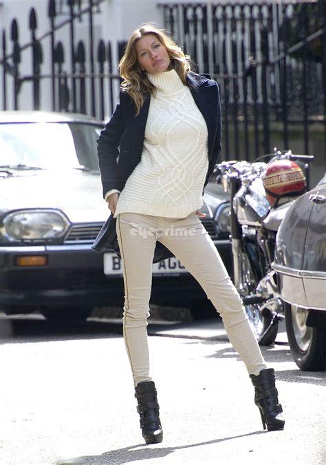 Gisele Bundchen Pops To Launch Footwear Range by Gisele B 252 Ndchen Is The New Of H M Fab Fashion Fix