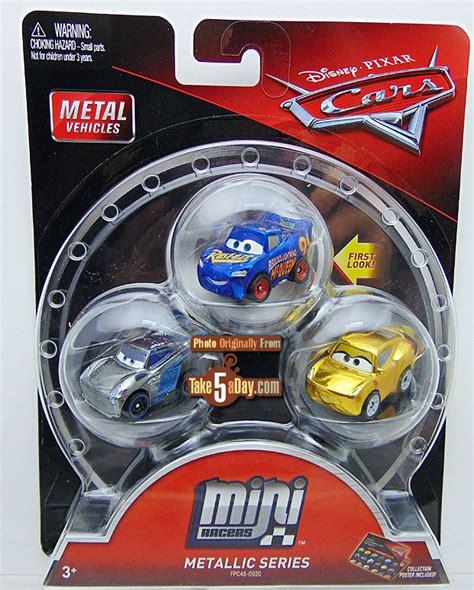 Mattel Mini Racers Cars 3 Wave 3 No 32 Dr Damage Ambulance Putih mattel disney pixar cars 3 metal mini diecast 3 packs