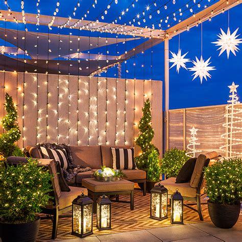 6 Christmas Lighting Ideas for a Porch, Deck or Balcony