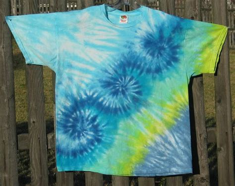 pin by diane branson on tie dye dip dye folding tecniques