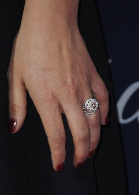 natalie portman stylish celebrity engagement rings popsugar fashion australia photo