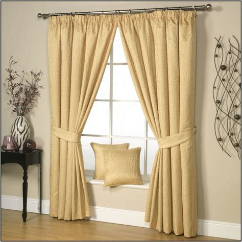 curtains for yellow walls what color curtains with light yellow walls choosing