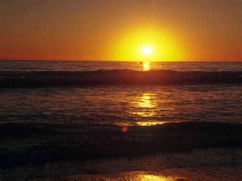 gambar sunset  indah
