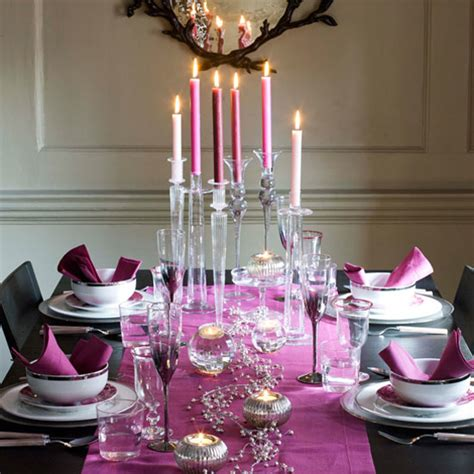 table decorations ideas 25 christmas table decorating ideas digsdigs