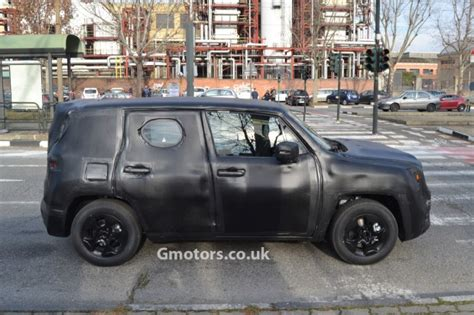 jeep crossover 2015 2015 jeep jeepster crossover spied again with details
