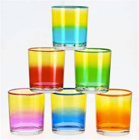 bicchieri acqua e a tavola bicchieri colorati o trasparenti per tutti i tipi di