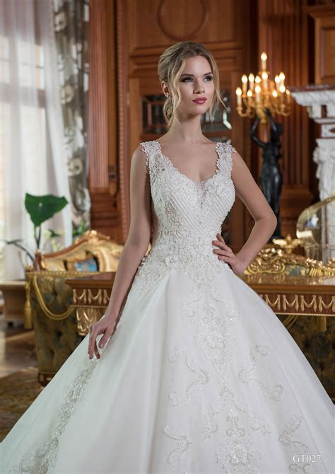 20 Elegant Ball Gown Wedding Dresses ? WeNeedFun