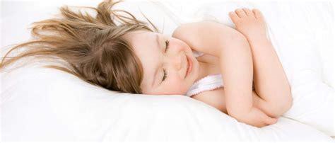 mejor colchon para dormir riesgos de dormir en un colch 243 n inadecuado