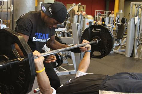 no spotter bench press 10 steps to becoming the perfect training partner