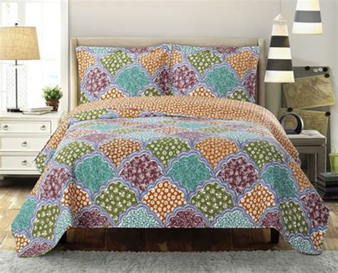 Bedding Oversize Luxurious Microfiber by Bedding Dahlia Luxurious Microfiber Printed Quilt