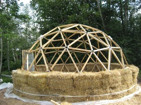 living small cheap and simple try a dome house treehugger 52 best eco bouwen stro images on pinterest straw bales