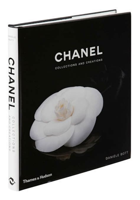 chanel collections and creations 0500513600 chanel collections and creations mod retro vintage books modcloth com