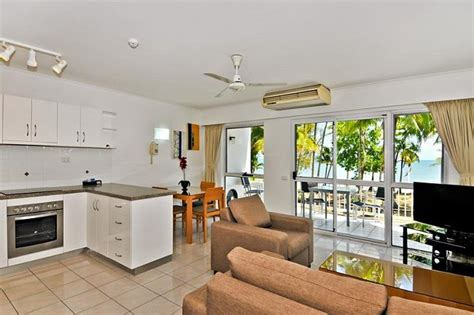 holiday appartment cairns beaches accommodation clifton beach beachfront holiday apartments 72 hour sale