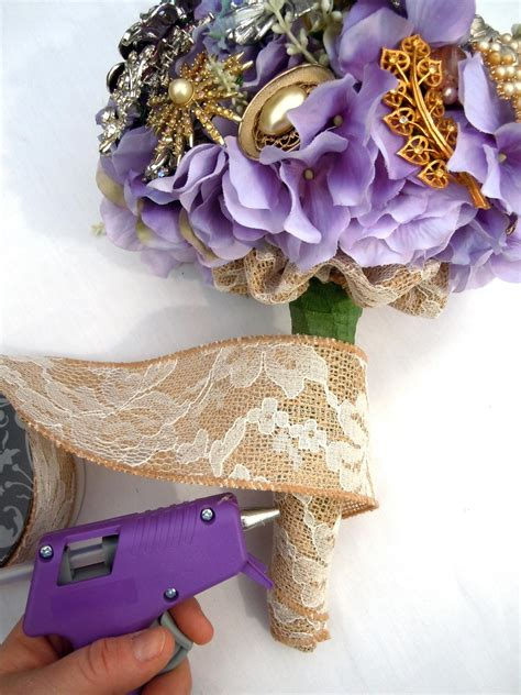 Wedding Bouquet Jewelry Stems by How To Make A Brooch Bridal Bouquet How Tos Diy