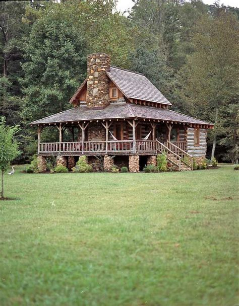 Juniors Log Cabin by 25 Best Ideas About Small Log Cabin On Small