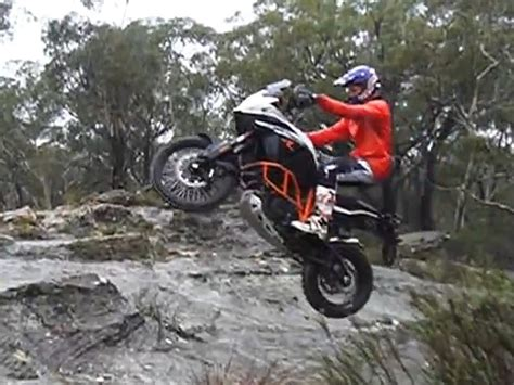 Ktm 1190 Wheelie Chris Birch Vs Ktm 1190 Adventure R W 252 Rdig Und