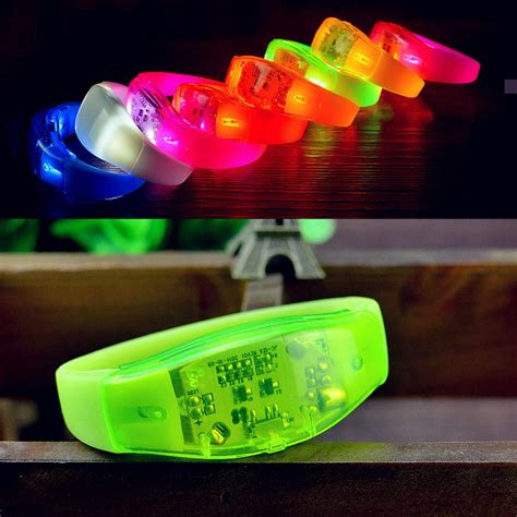 Gelang Sensor Suara Led Light Activated For Concert gelang sensor suara led gelang unik yang dapat menyala dalam keramaian harga jual