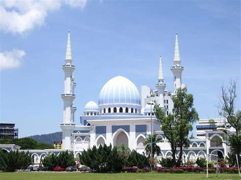 Di Malaysia listen masjid malaysia