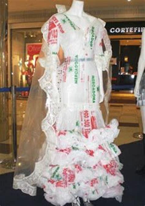 vestido con material reciclado 17 best images about vestidos de material reciclado on