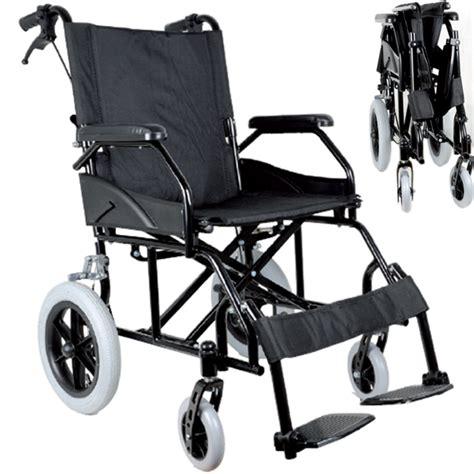 larghezza sedia a rotelle sedia a rotelle carrozzina da transito pieghevole per