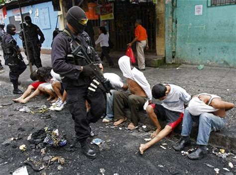 el infierno drugs gangs riots and murder my time inside ecuador s toughest prisons books top 10 countries with most crime highest crime in the world