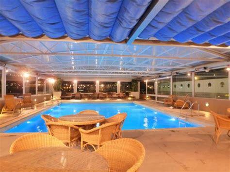 hotel divani caravel la piscine sur le toit picture of divani caravel hotel