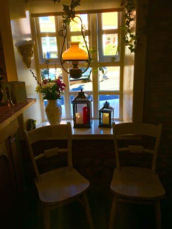 the cottage blackpool restaurant reviews phone number