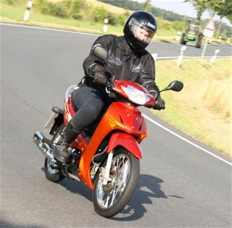 125 Kubik Motorrad Führerschein by Motorradverband Fordert F 252 Hrerscheinliberalisierung Auto