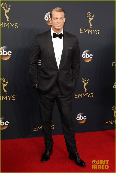 house of cards emmy house of cards joel kinnaman neve cbell support the show at emmys 2016 photo