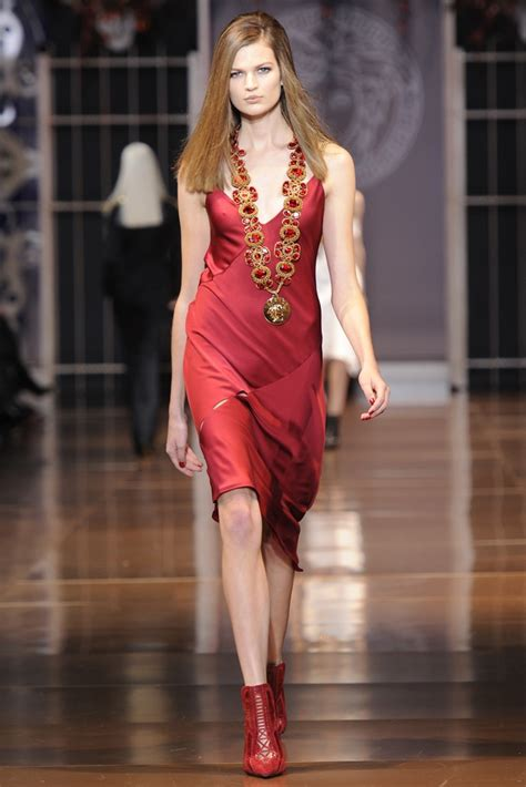 Are You Ready For Fashion Week by Versace Fall Winter 2014 Ready To Wear Fashion Week 44
