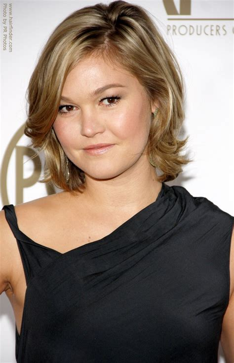 actresses with neck length haircuts julia stiles neck length hairstyle with a long fringe