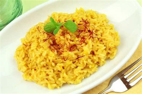 resep   membuat nasi kuning praktis  sederhana