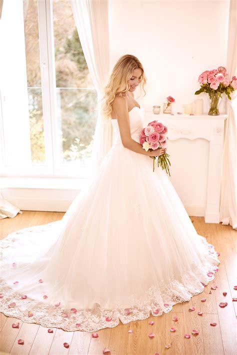 Zum Hochzeitskleid by Hochzeitskleider Vintage Brautmoden Sanna Lindstr 246 M
