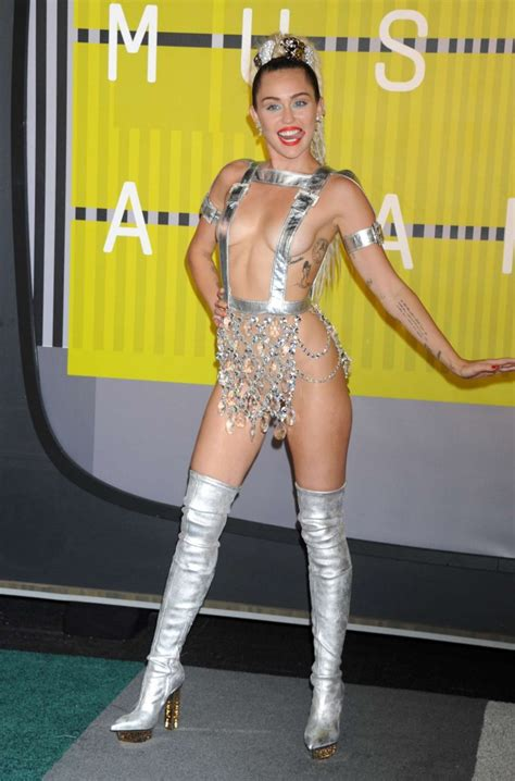 vmas 2015 mtvs video music awards 2015 in pictures miley cyrus 2015 mtv video music awards in los angeles