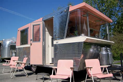 small house trailer vintage trailer photos restoration resources clubs and