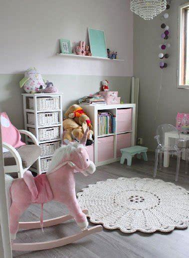 Delightful Deco Cuisine Rose Poudre  #5: Peinture-couleur-chambre-fille-grise-meuble-rose.jpg