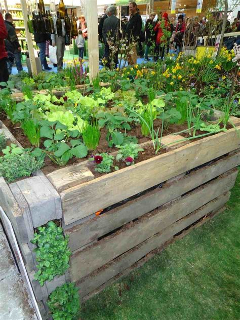 pallet raised bed beds apartment youtube raised pallet garden raised garden