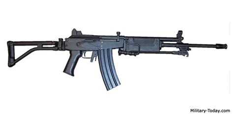 the israeli assault rifle machine gun galil arm rifle galil galil arm light machine gun military today com