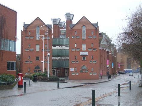 De Montfort Leicester Mba by S Building De Montfort 169 Malc Mcdonald Cc By Sa
